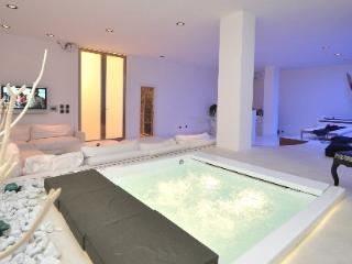 WHITE EMOTION SUITE - Gallipoli vacation rentals