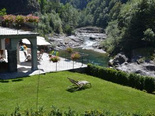 Family house river sports, ski, fishing, trekking - Cravagliana vacation rentals