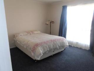 61 Stirling Drive - R&R By The Beach - Lakes Entrance vacation rentals