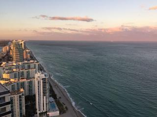 Beach Club, Fla-AVAILABLE IN SEP & OCT - Hallandale vacation rentals