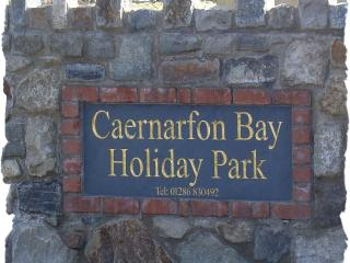 Holiday Bungalow in Dinas Dinlle, Caernarfon - Dinas Dinlle vacation rentals