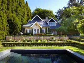 BAYNTON COTTAGE - Contemporary Hotels - Bowral vacation rentals