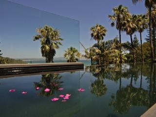BYRON BAY VILLA - Contemporary Hotels - Byron Bay vacation rentals