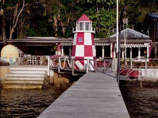 SNAPPER LODGE - Contemporary Hotels - Newport vacation rentals