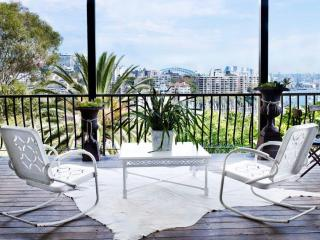 DARLING POINT PAD - Contemporary Hotels - Edgecliff vacation rentals