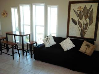 Romantic 1 bedroom Cabin in Port Aransas - Port Aransas vacation rentals