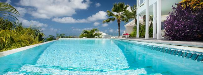 Villa Luz 1 Bedroom SPECIAL OFFER - Lorient vacation rentals