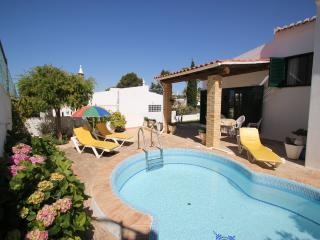 2 bedroom  villa with pool and free Wi-Fi - Albufeira vacation rentals