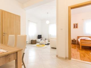Romantic Apartment in Split with Satellite Or Cable TV, sleeps 4 - Split vacation rentals