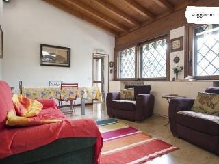 Una casa tra gli olivi del  Garda 2/8 pax +  dog - Moniga del Garda vacation rentals