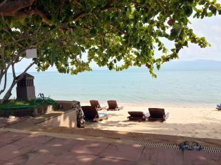 Maenam Beachfront Studio BnB with Bathtub - Bophut vacation rentals