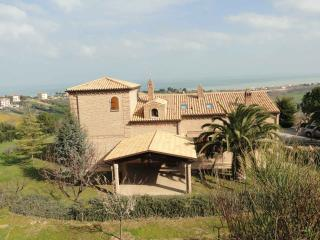 Nice 3 bedroom Villa in Civitanova Marche - Civitanova Marche vacation rentals