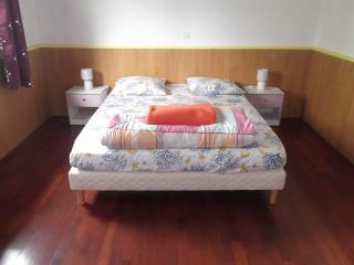 3 bedroom House with Outdoor Dining Area in Cilaos - Cilaos vacation rentals