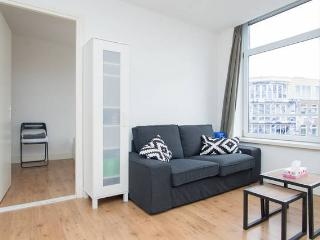 Central Apartment West Kruiskade3 - Rotterdam vacation rentals