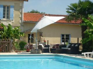 Comfortable 7 bedroom Parcoul Gite with Internet Access - Parcoul vacation rentals