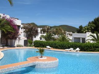 Lovely Apartment in Siesta, Santa Eulalia, Ibiza - Siesta vacation rentals