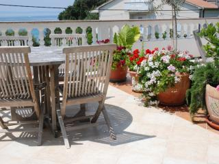 Apartment Arbia 2 for 4-6 persons with sea view - Rab vacation rentals