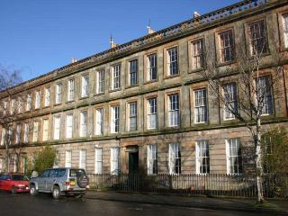 Lovely Period Large Ground floor 3 bed Apartment - Glasgow vacation rentals