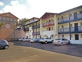 Résidence les Hauts d'Orlegui ~ RA25829 - Bassussarry vacation rentals