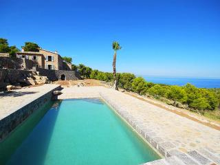 Villa Port View with a sensational view - Soller vacation rentals