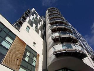 Fresh Apt 2 Bed City Ctr Sleeps 6 (fr) - Greater Manchester vacation rentals