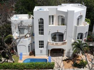 5 bedroom villa in Playacar Fase 1, PDC - Playa del Carmen vacation rentals