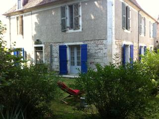 Chambre Le Salon au B&B Le Nid des Oiseaux Cubjac. - Perigueux vacation rentals