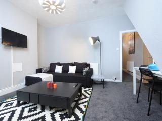 Nice Condo with Internet Access and Central Heating - Manchester vacation rentals