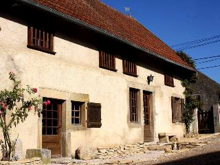 Bright 4 bedroom Gite in Beaune - Beaune vacation rentals