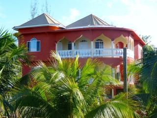 Villa Svahn - real Jamaica close to Negril - Negril vacation rentals