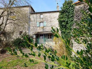 Le Jardin de Timothee ~ RA25238 - Montmorillon vacation rentals