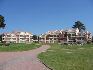 Résidence Claire Marine ~ RA25032 - Beauvoir-Sur-Mer vacation rentals