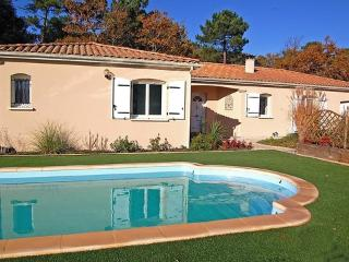 Résidence la Garenne ~ RA25303 - Meschers-sur-Gironde vacation rentals