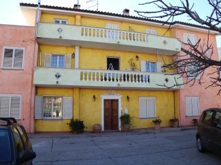 casa vacanza lucia - La Caletta vacation rentals