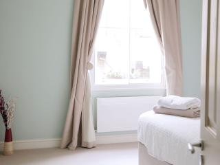 Cosy central Covent Garden 2 bed home - Bishop's Castle vacation rentals