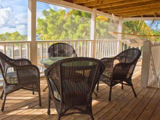 Comfortable 1 bedroom Cockburn Town House with Deck - Cockburn Town vacation rentals