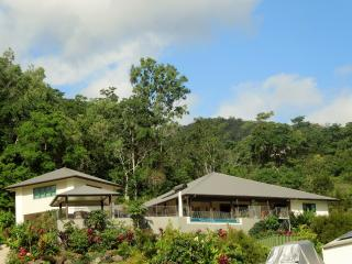 Airlie Beach Arthouse, unique experience. - Cannonvale vacation rentals