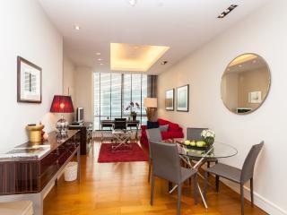 SERVICED 2 BED PENTHOUSE SKY VILLA, POOL, GYM, BTS - Bangkok vacation rentals