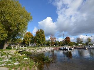 Tart Cherry Knoll- Northport - Traverse City vacation rentals