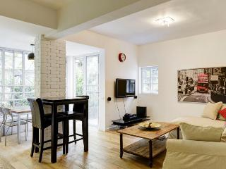 Best Apartment in Basel Square/2BDR - Tel Aviv vacation rentals