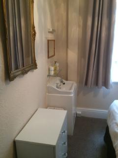 1 bedroom Condo with Internet Access in Blackpool - Blackpool vacation rentals