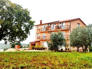 Mon Perin Castrum - Maxi 4 - Golas vacation rentals