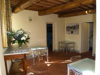 Charming 8 bedroom B&B in San Casciano in Val di Pesa with Internet Access - San Casciano in Val di Pesa vacation rentals