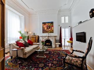 Romantic 1 bedroom Condo in Montreal with Internet Access - Montreal vacation rentals