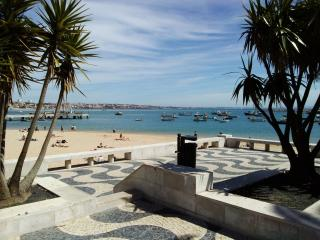 Nice Condo with Internet Access and Wireless Internet - Cascais vacation rentals