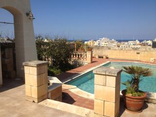 Open Plan apartment ideal for a relaxing stay - Zabbar vacation rentals