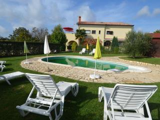 Mon Perin Castrum- Božac 2*** - Bale vacation rentals