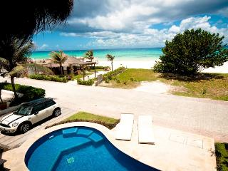 Villa Turquesa - Sleek Beach Villa within walking distance to town! - Playa del Carmen vacation rentals