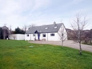 Romantic Cottage with Internet Access and Central Heating - Blairgowrie vacation rentals