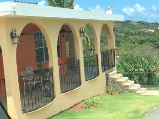 Romantic Apartment with A/C and Satellite Or Cable TV in Luquillo - Luquillo vacation rentals